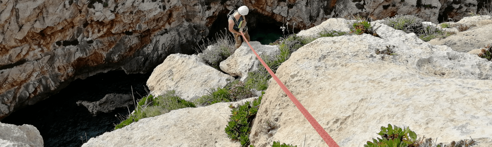 Abseilen nach dem Klettern
