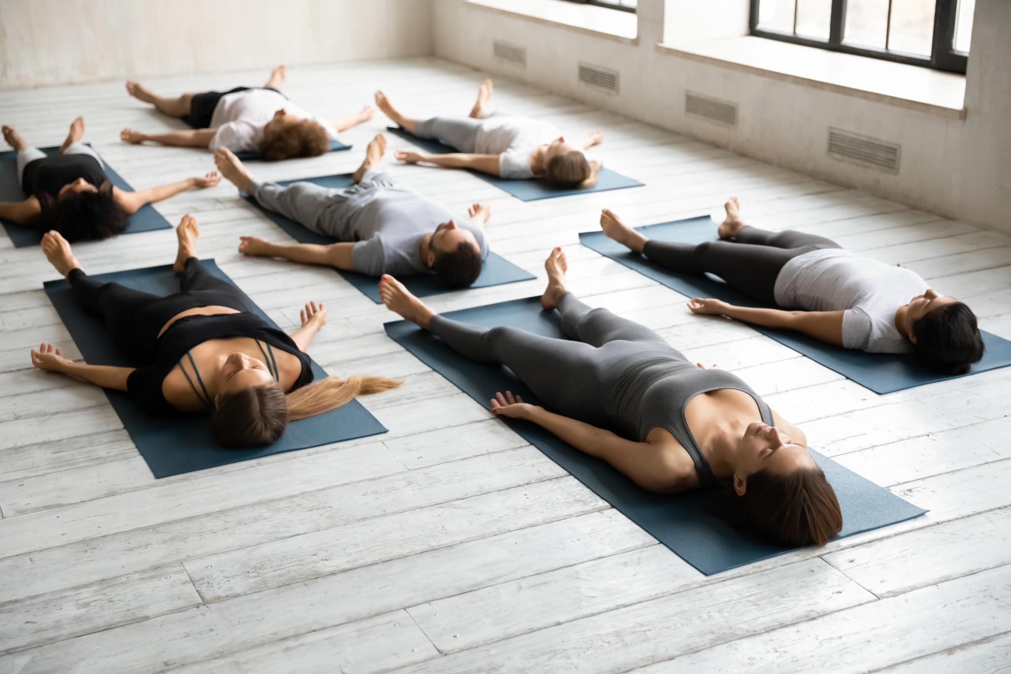 Ruhen beim Yoga mit Yogamatte