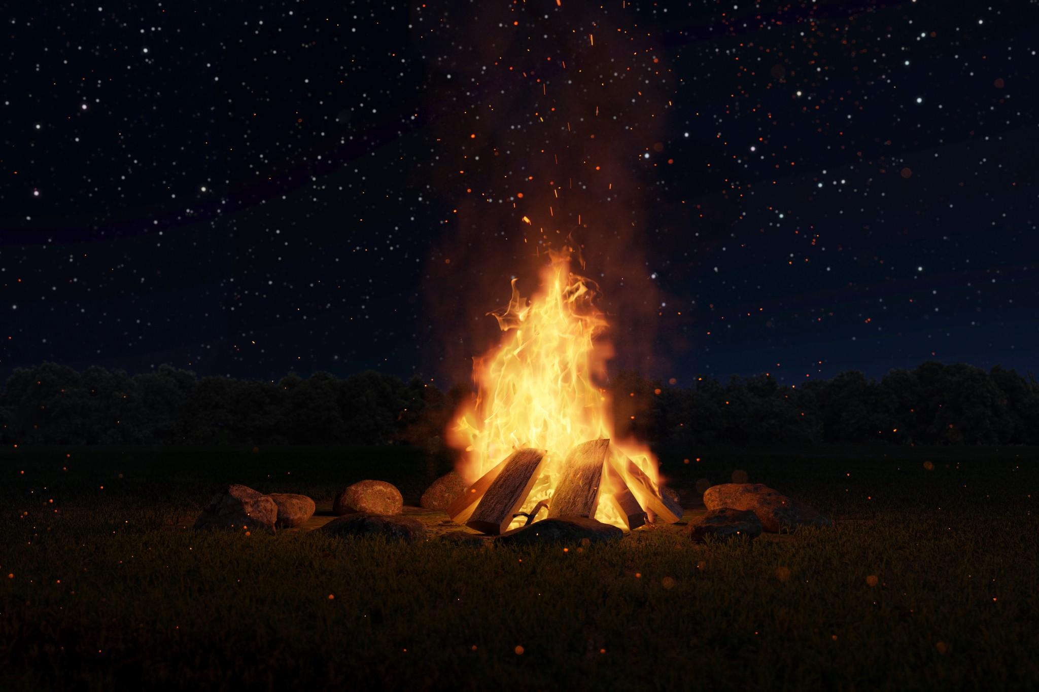 Feuerstelle in der Wildnis beim survival