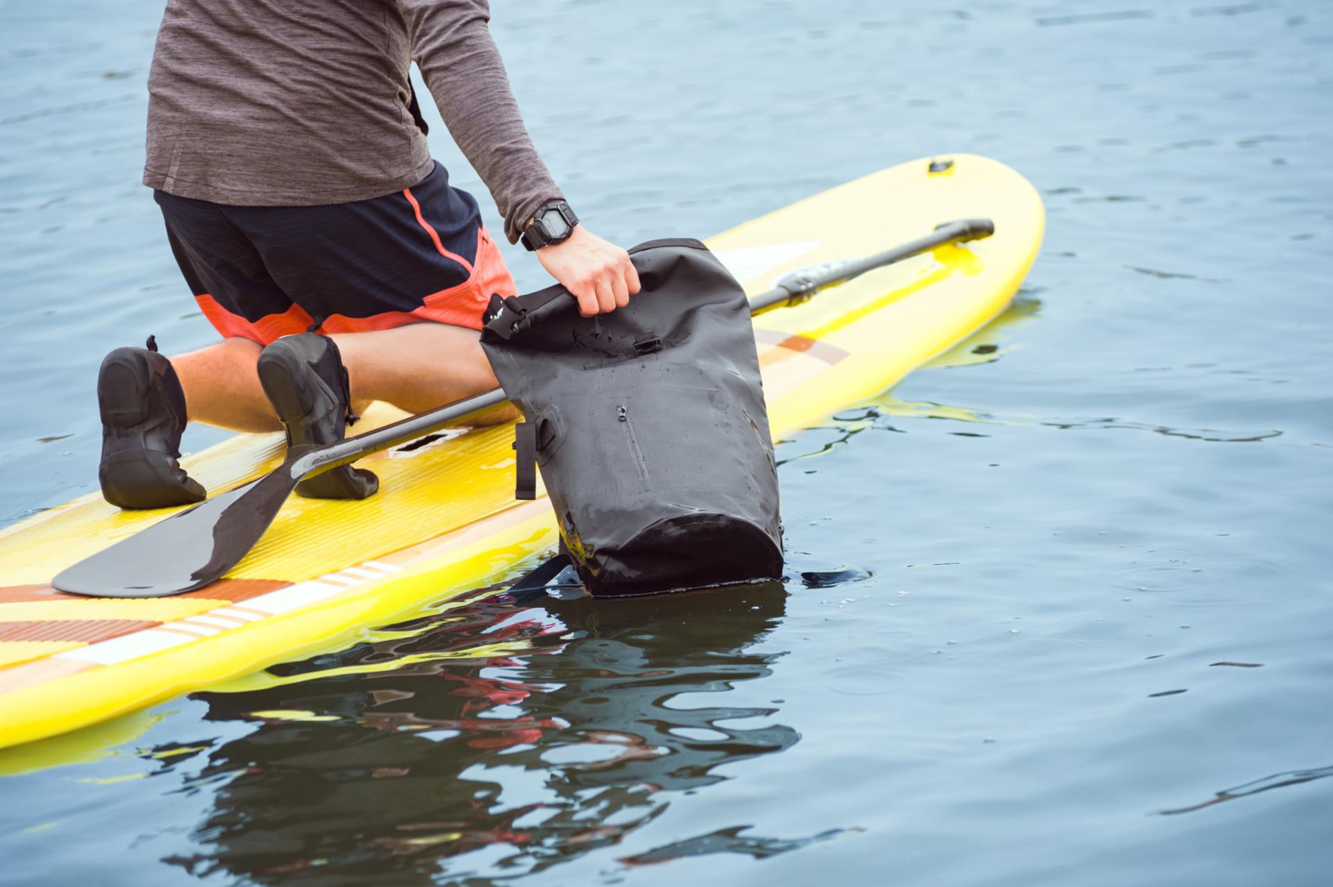Dry Bag bei einer Boots Tour