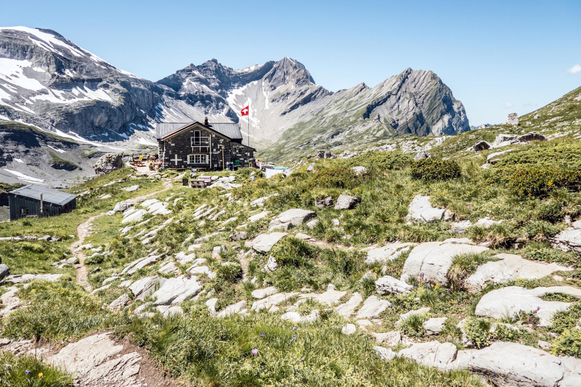 Alpenhütte beim Wandern in der Schweiz
